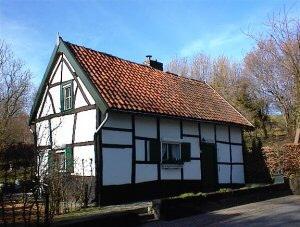 Vakwerkhuis voorbeelden en geschiedenis for Huizen stijlen